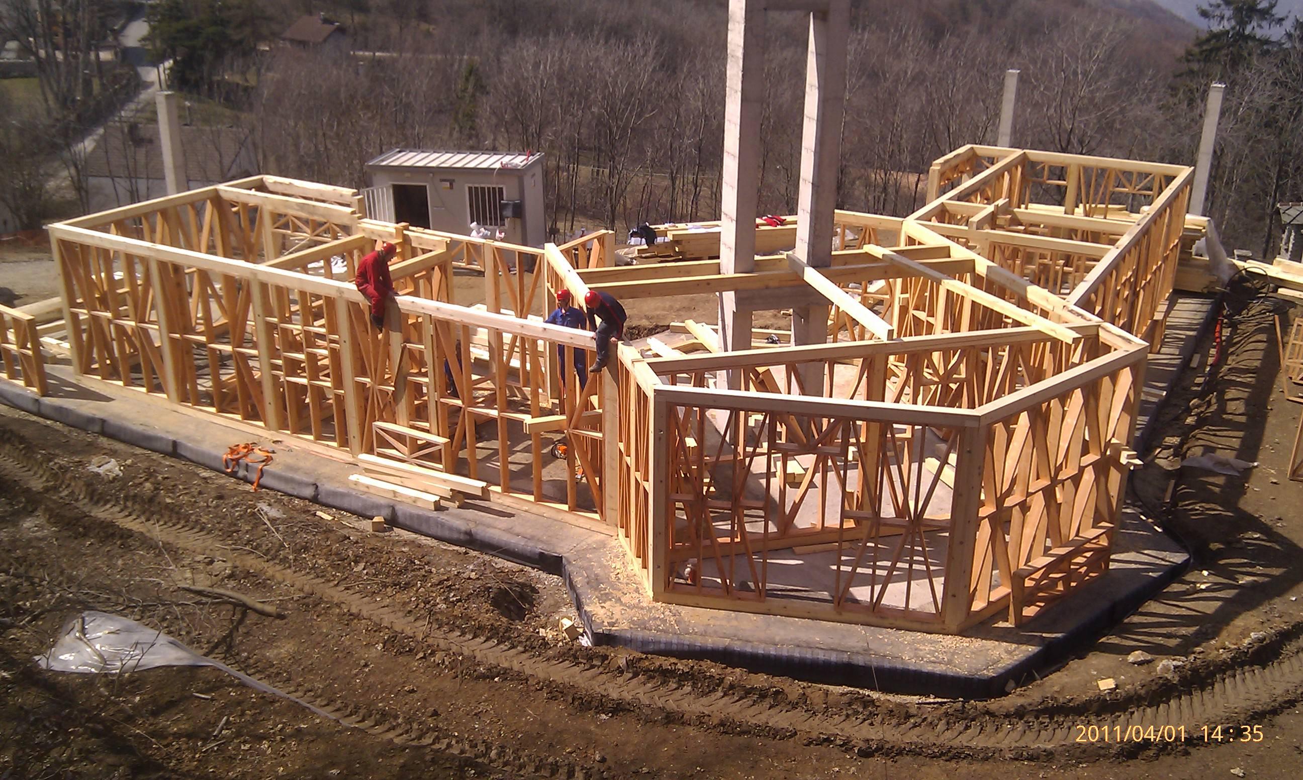 Case din lemn saune baia mare case pe structur de lemn for Foto case americane
